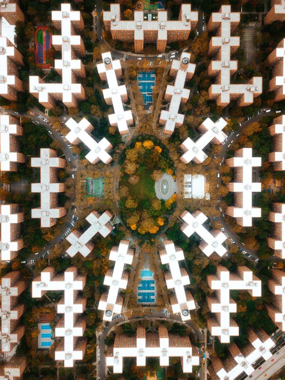Stuyvesant Town - Amazing drone photos of New York City looking straight down 0007