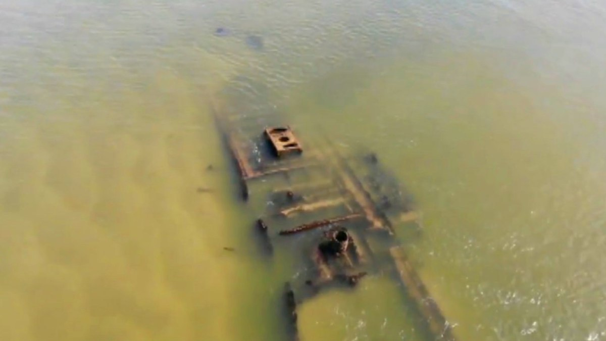 Drone video of Civil War-era shipwreck captured by North Carolina beachgoer F
