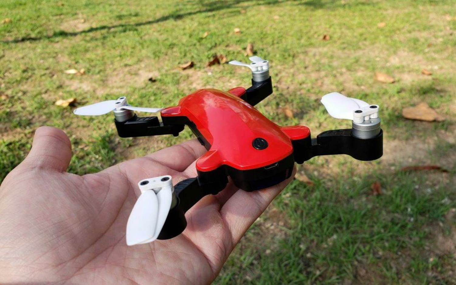 Simtoos Fairy Drone A Small Foldable That Sits In Between The DJI Spark And Tello