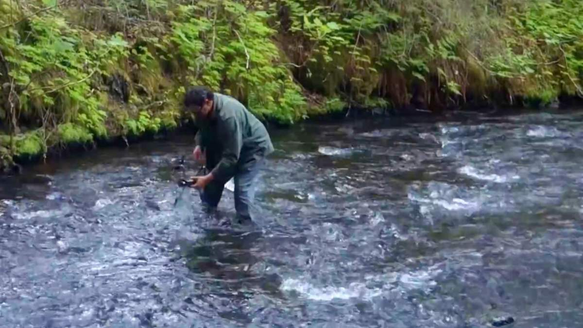 Man wades through water to recover DJI Mavic Pro from an Alaskan river. Will the drone ever fly again? [video]