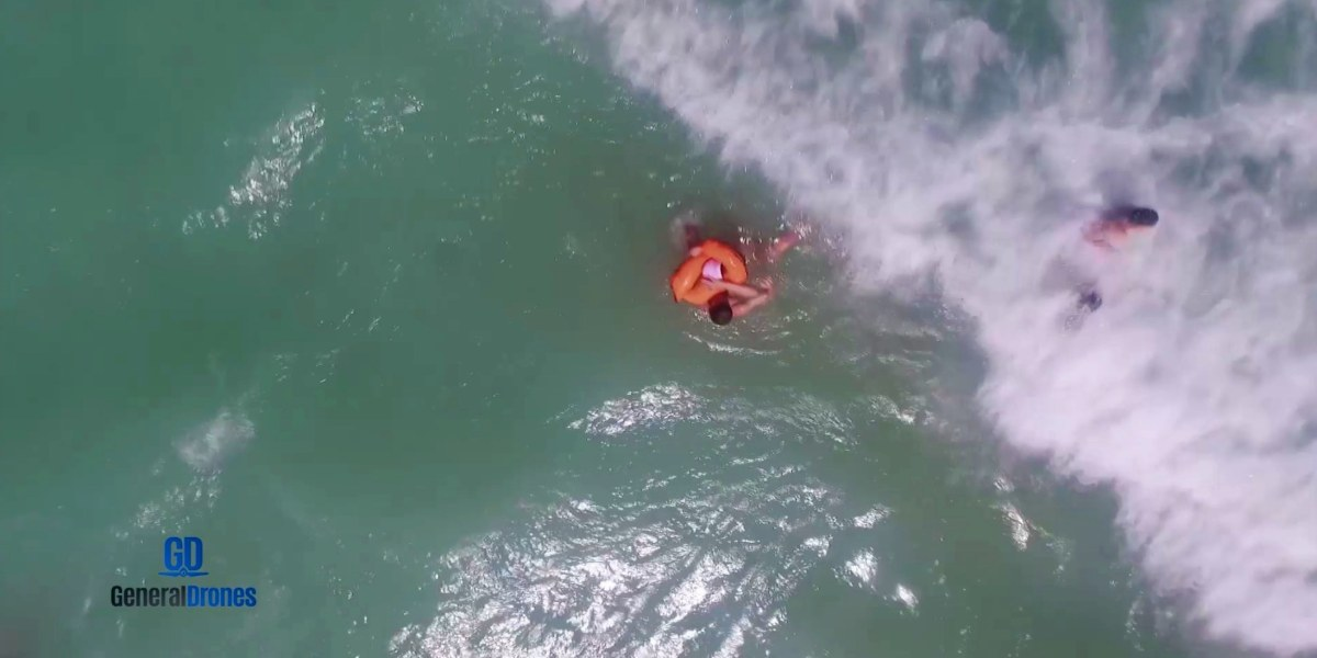 Auxdrone Lifeguard drone assists in the rescue of three people in Puerto de Sagunto, Spain