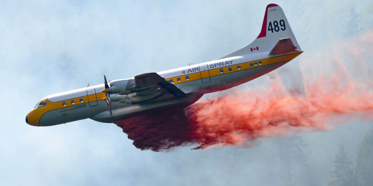 Drone grounds all aircraft in efforts to extinguise 100,000 acre wildfire
