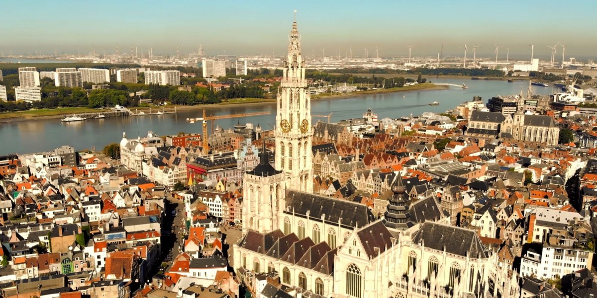 DroneRise - An aerial perspective on the city of Antwerp [4K drone video]