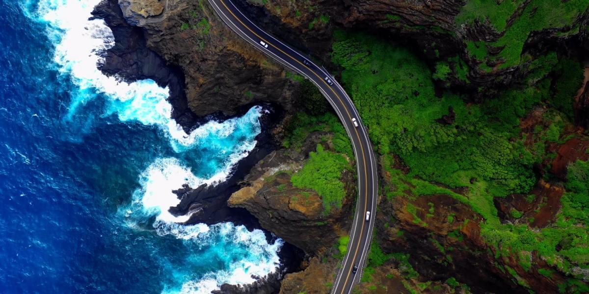 DroneRise - DJI Mavic 2 Pro's perspective of Oahu, Hawaii