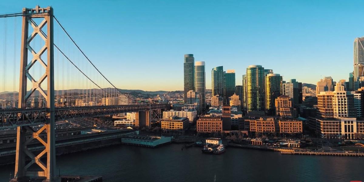 DroneRise - Dawn to dusk drone flight over San Francisco in 4K