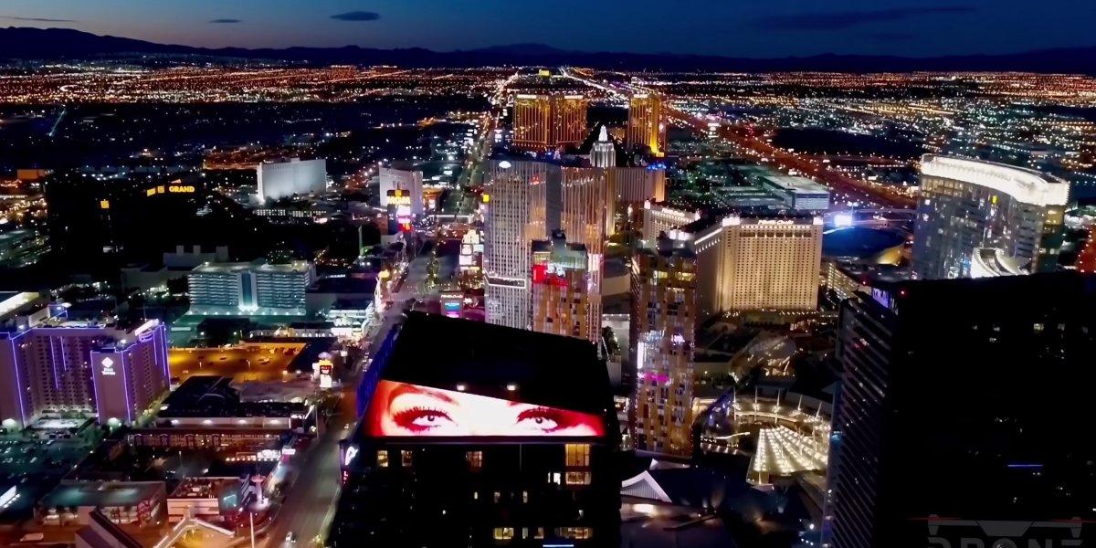 DroneRise - DJI Mavic Pro captures Las Vegas at night