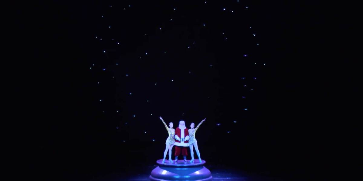 Intel drones light up the Christmas Spectacular show in New York