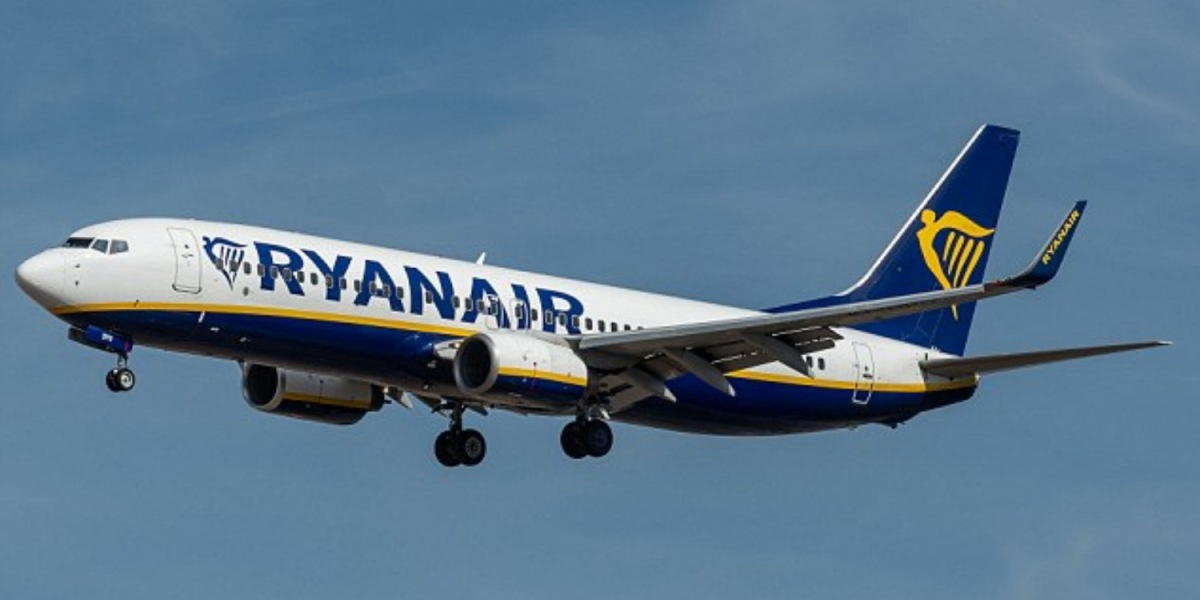 Ryanair Boeing 737 passenger jet comes within 50 feet of drone