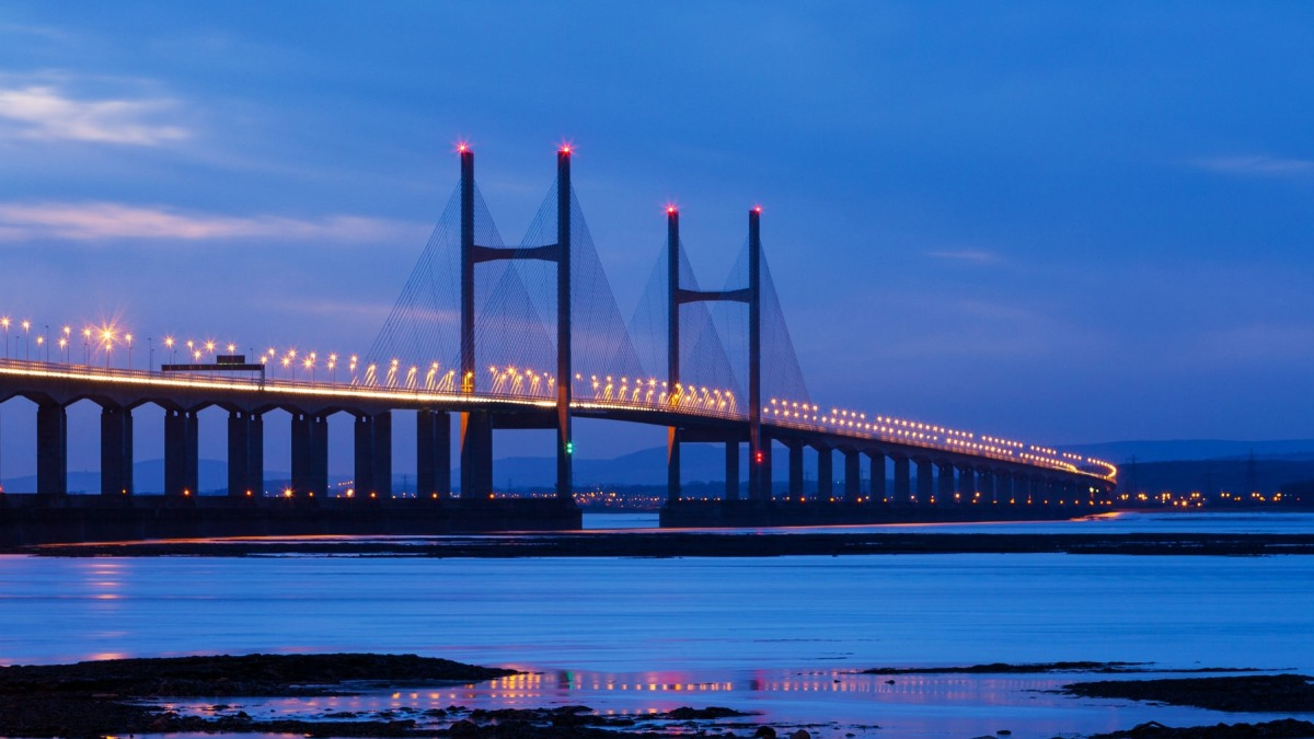 Severn Bridge shut down after man climbs to top to fly a drone