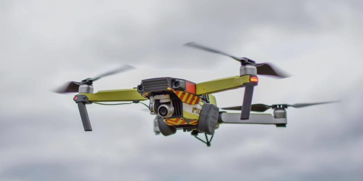 Lifeguards use bait release system to release lifevest from DJI Mavic Pro