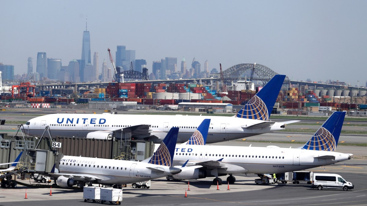 Was there really a drone at Newark Airport