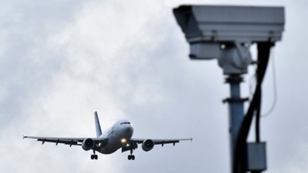 Sustained drone attack closed Gatwick, airport says