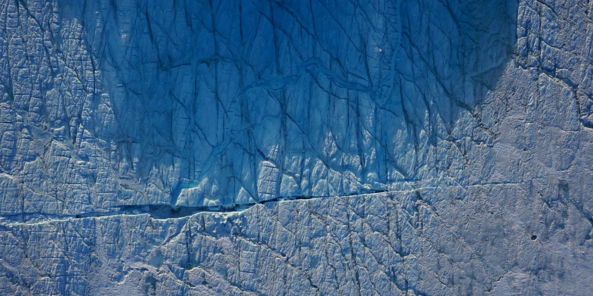 Drone observes Greenland ice sheet fracturing in real-time