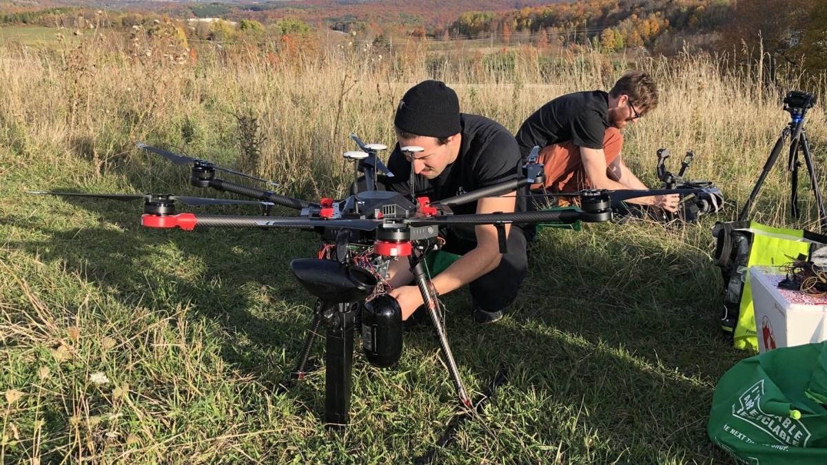 Canadian drones 1 billion trees
