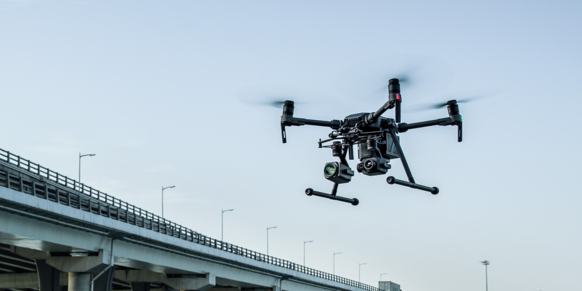 DJI Matrice 300 (M300) specifications and Zenmuse H20 hybrid thermal camera
