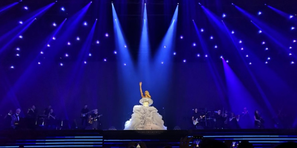 104 Verity micro-drones tour with Celine Dion