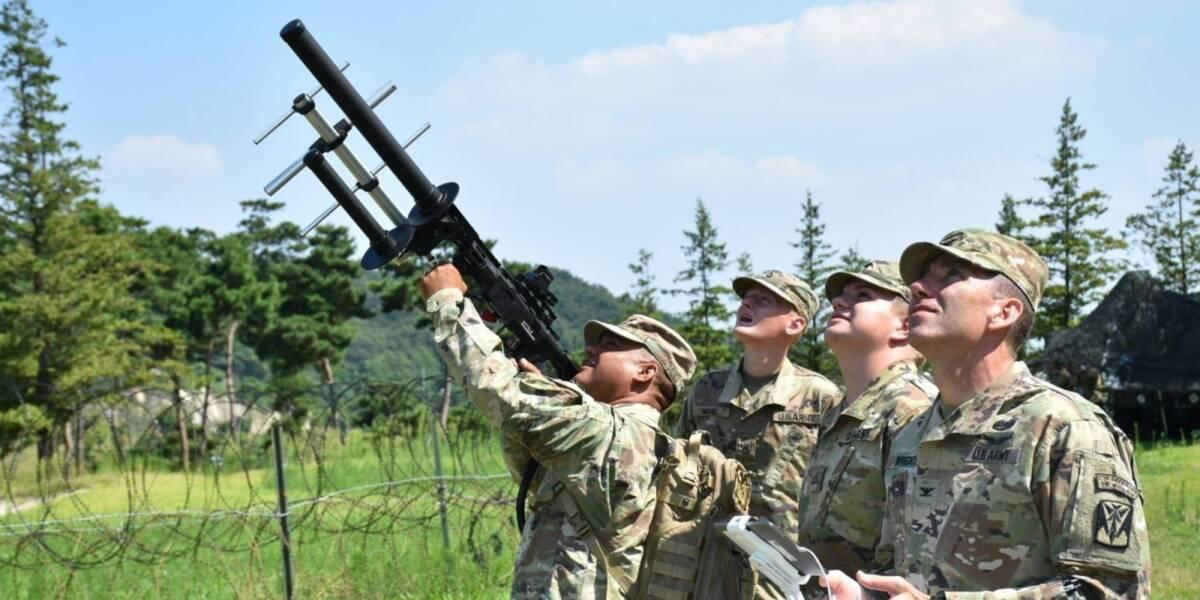 Pentagon counter-drone school soldiers
