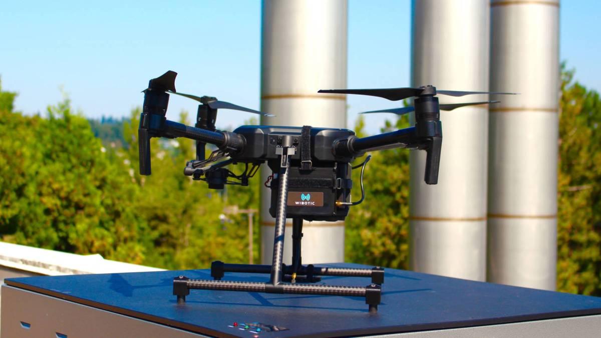WiBotic's Commander drone fleets