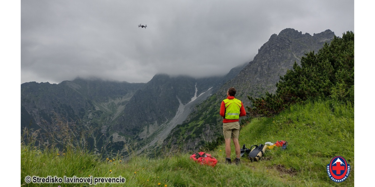 Drone finds body missing tourist